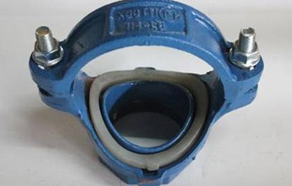 蓝色给水机械三通